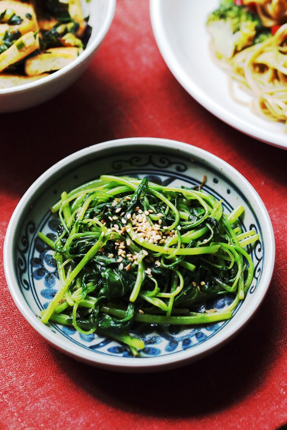 Spinach Stir Fry With Garlic And Sesame Oil