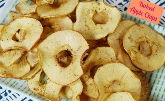 baked apple chips Baked Apple Chips