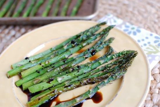 An easy dinner side dish - Balsamic Roasted Asparagus.