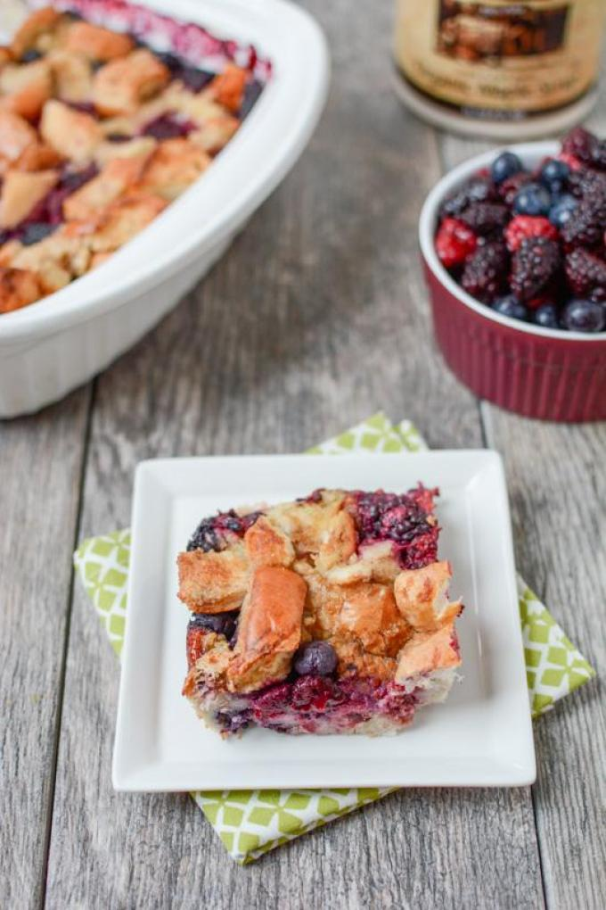 This Dinner Roll French Toast Bake is the perfect recipe to use up leftover dinner rolls after a holiday meal. Prep the night before, let it sit in the fridge overnight and enjoy it for breakfast in the morning.