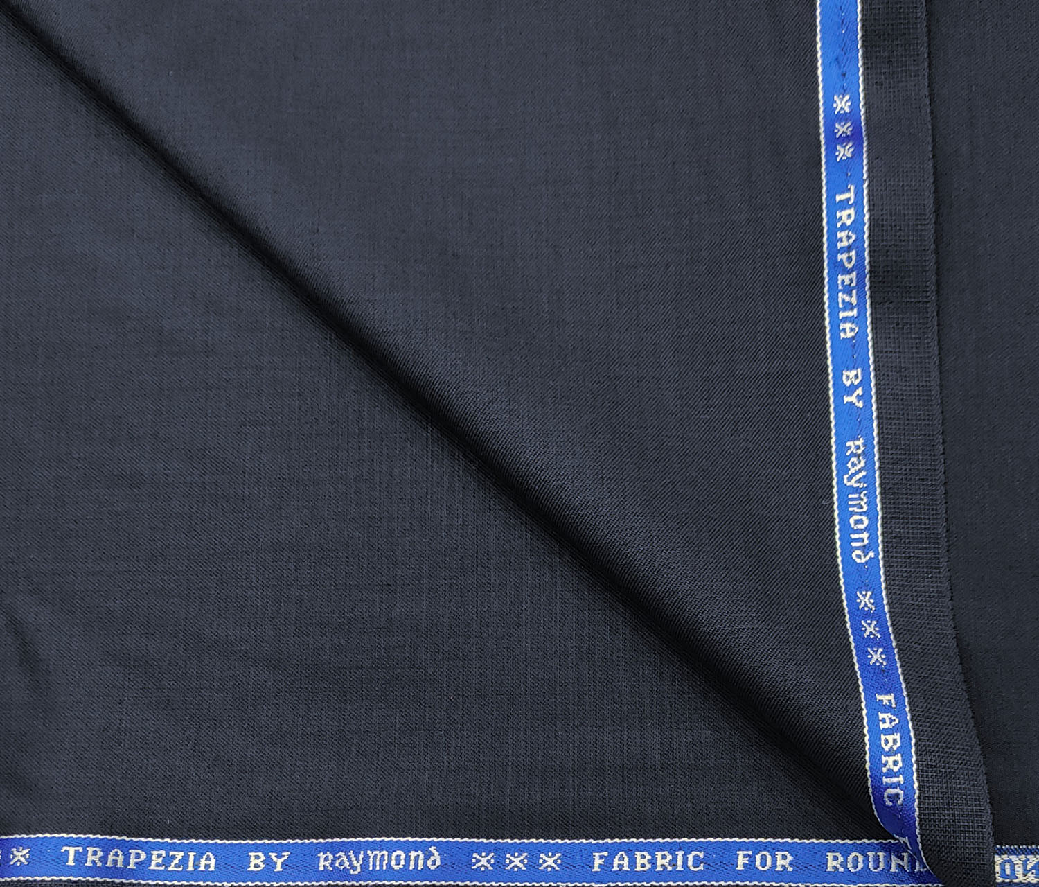 Raymond Men's Wool Solids 3.75 Meter Unstitched Suiting Fabric (Dark Navy Blue)