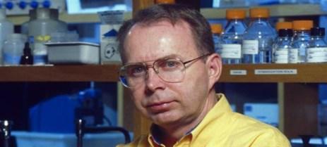 Dr.-David-Lewis[1]