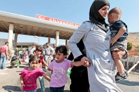 syrian-refugees-turkey-border