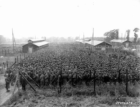 World-War-Two-Death-Camp-German-POWs-466