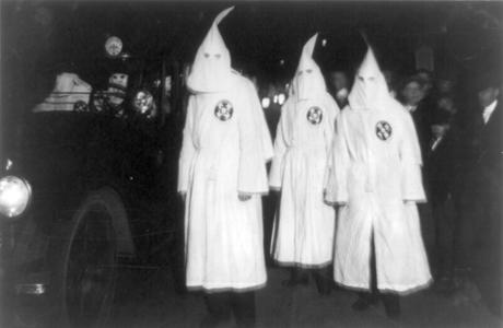 Ku_Klux_Klan_Virgina_1922_Parade-460