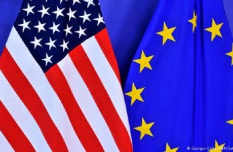 us-euro-flags-400x225