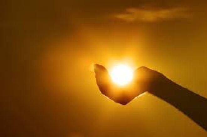 Light in hand inst