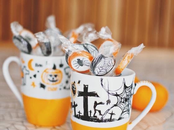 DIY Halloween mugs
