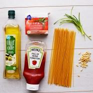 Snelle spaghetti met pittige tomatensaus