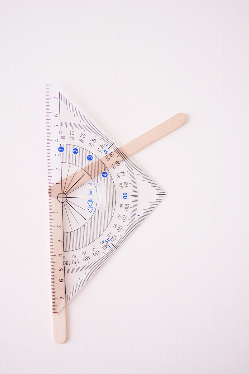 maak-zelf-een-zeshoekig-wandkastje-2-van-12