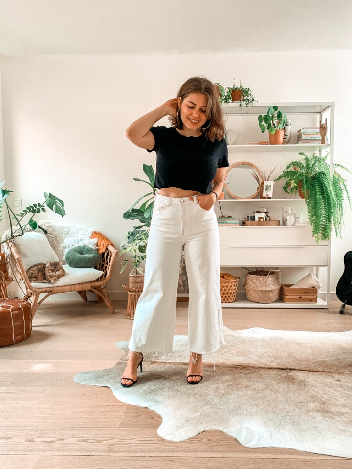 Outfit: the one with the white pants