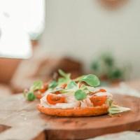 Recept: pizza op groentebroodjes (low-cal)