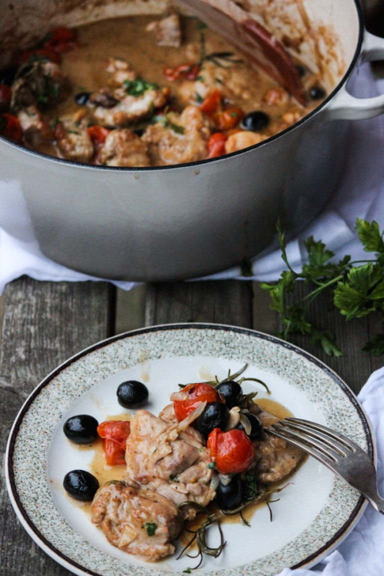 dinner, family meals, chicken, chicken cacciatore, simple meals, easy dinner, quick meals, italian food, italian meals, rustic dinner, sunday dinner, hearty, flavoursome, simple, the life harvest, food blogger