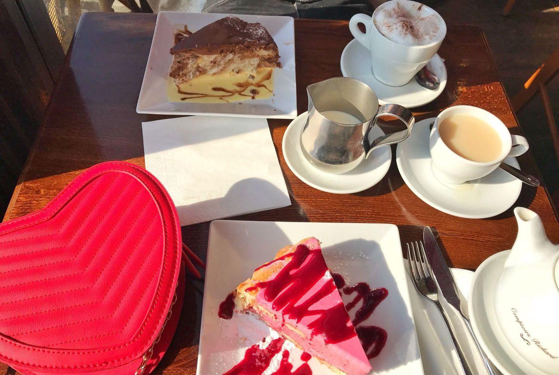 Cafe Du Pont Neuf Cakes and Coffee