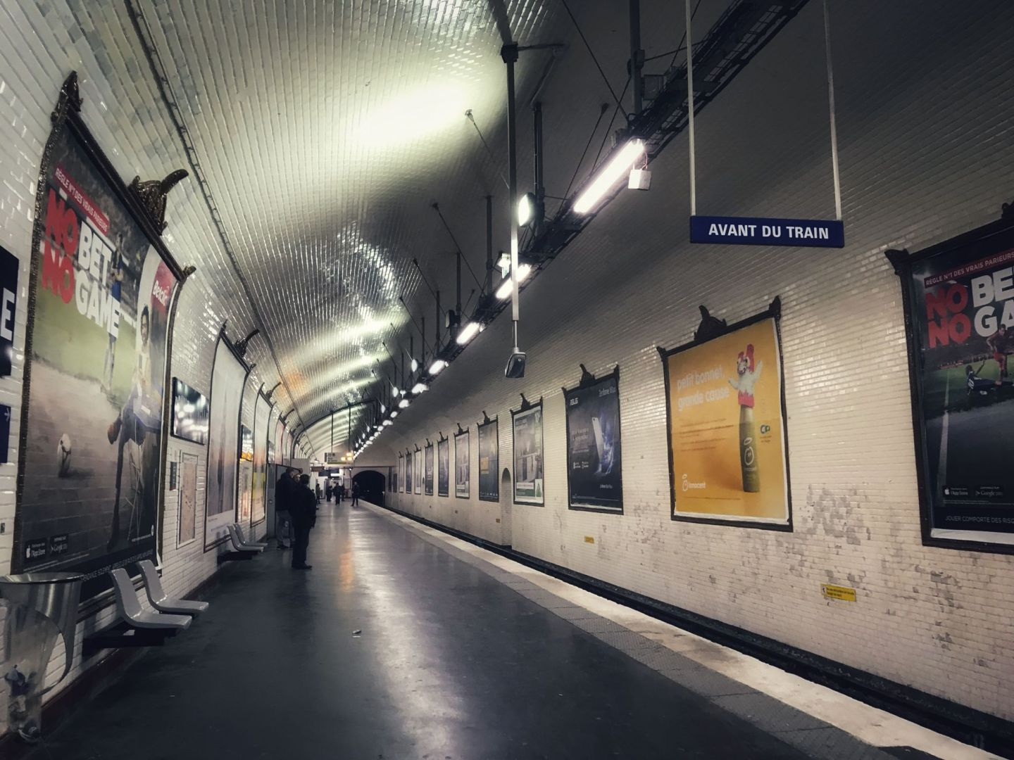 tips for staying safe on the metro in Paris