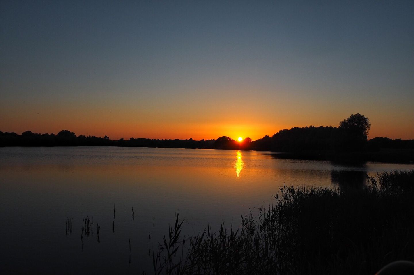 stunning-sunset-at-The-View-at-the-Waters-Edge-Milton-Keynes