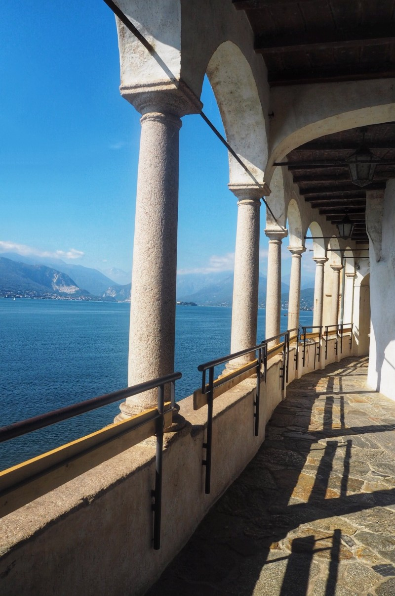 Archway-views-from-Santa-Caterina-del-Sasso-St-Catherine-of-the-Stone