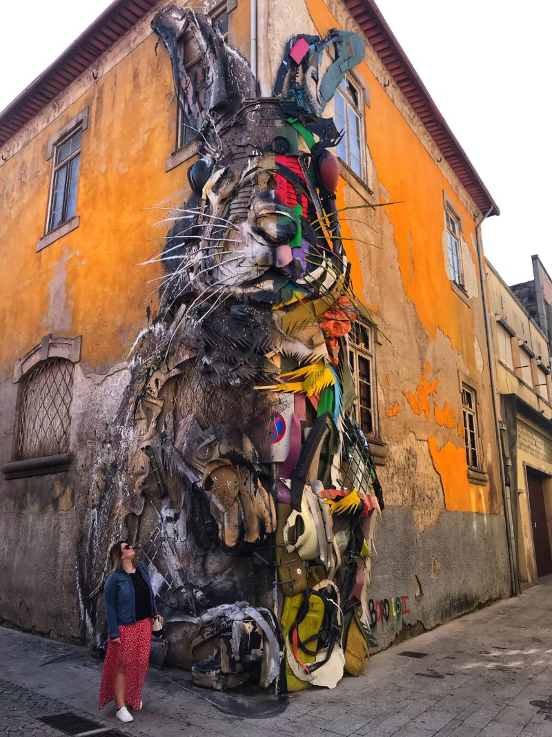 Colourful clothing & colourful street art in Porto