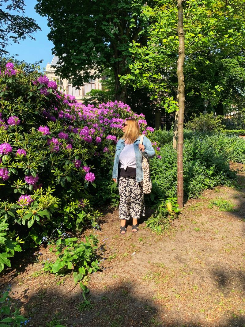 Admiring-the-Palace-Gardens-The-Hague-Netherlands