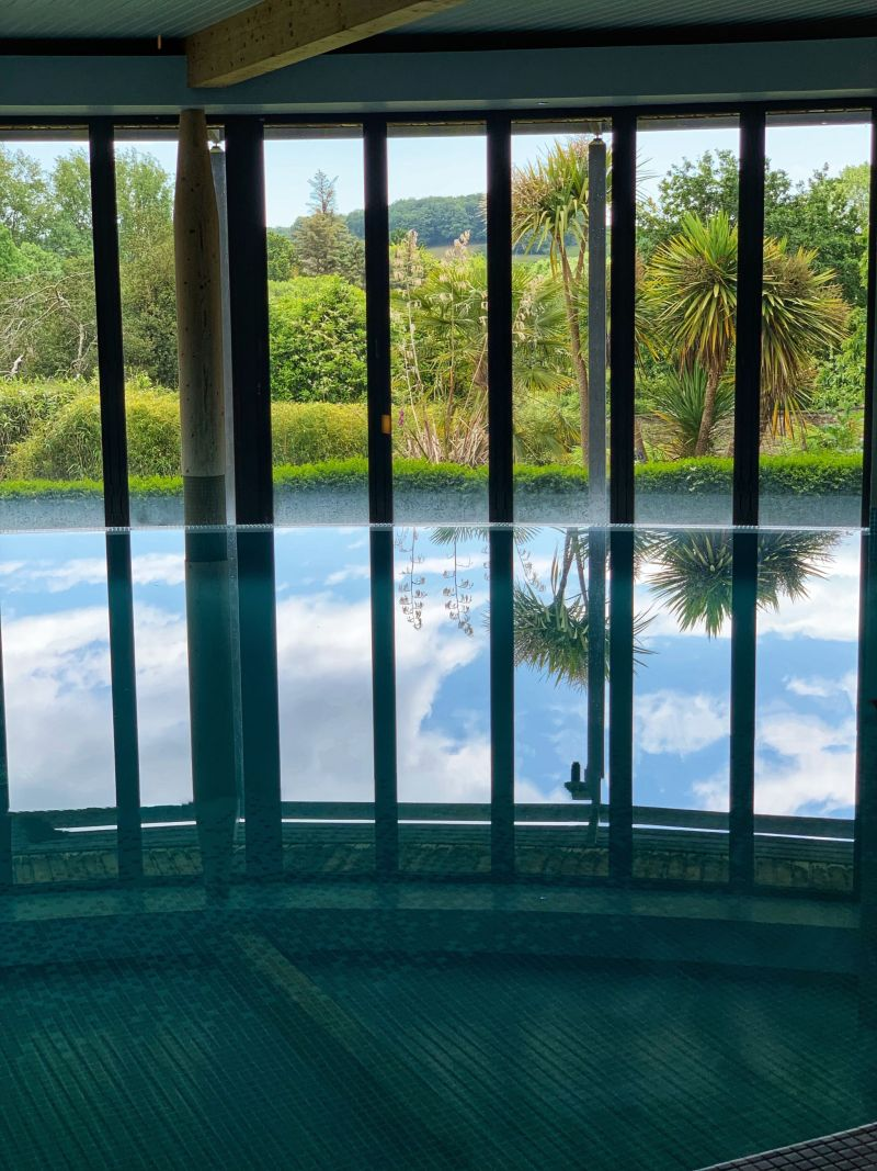 The-Clearing-Spa-infinity-swimming-pool-at-The-Cornwall-Hotel