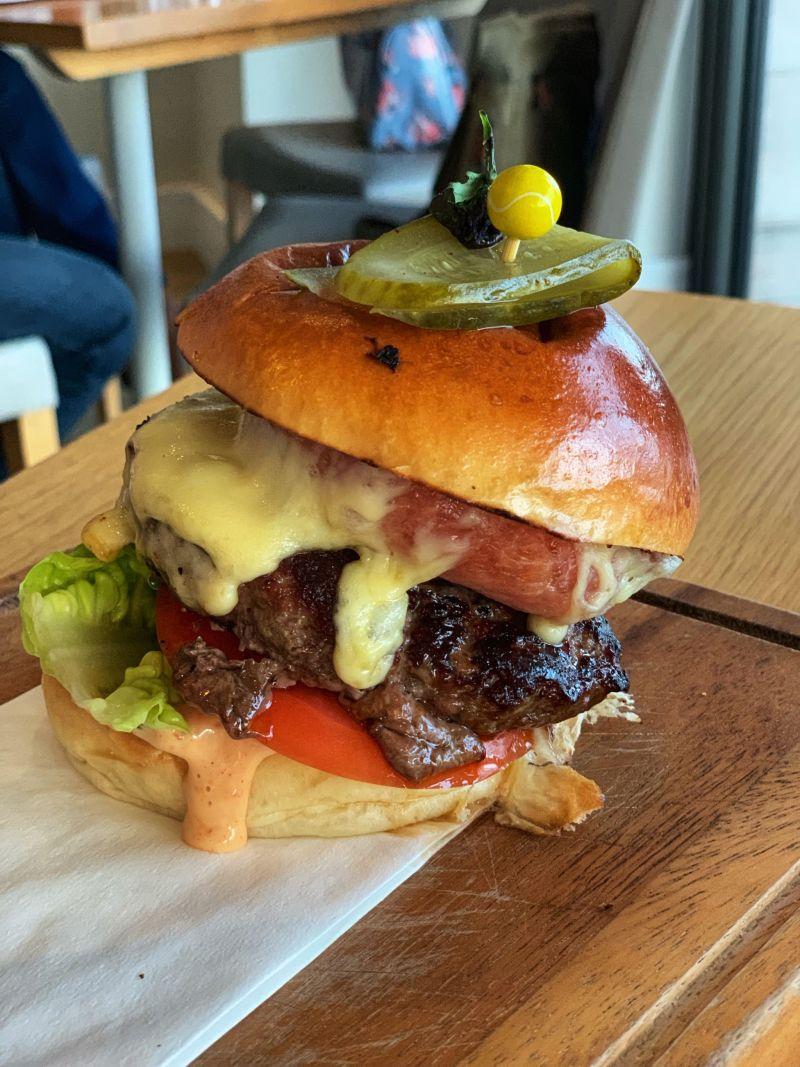 Tasty-burger-Godolphin-Arms-Marazion