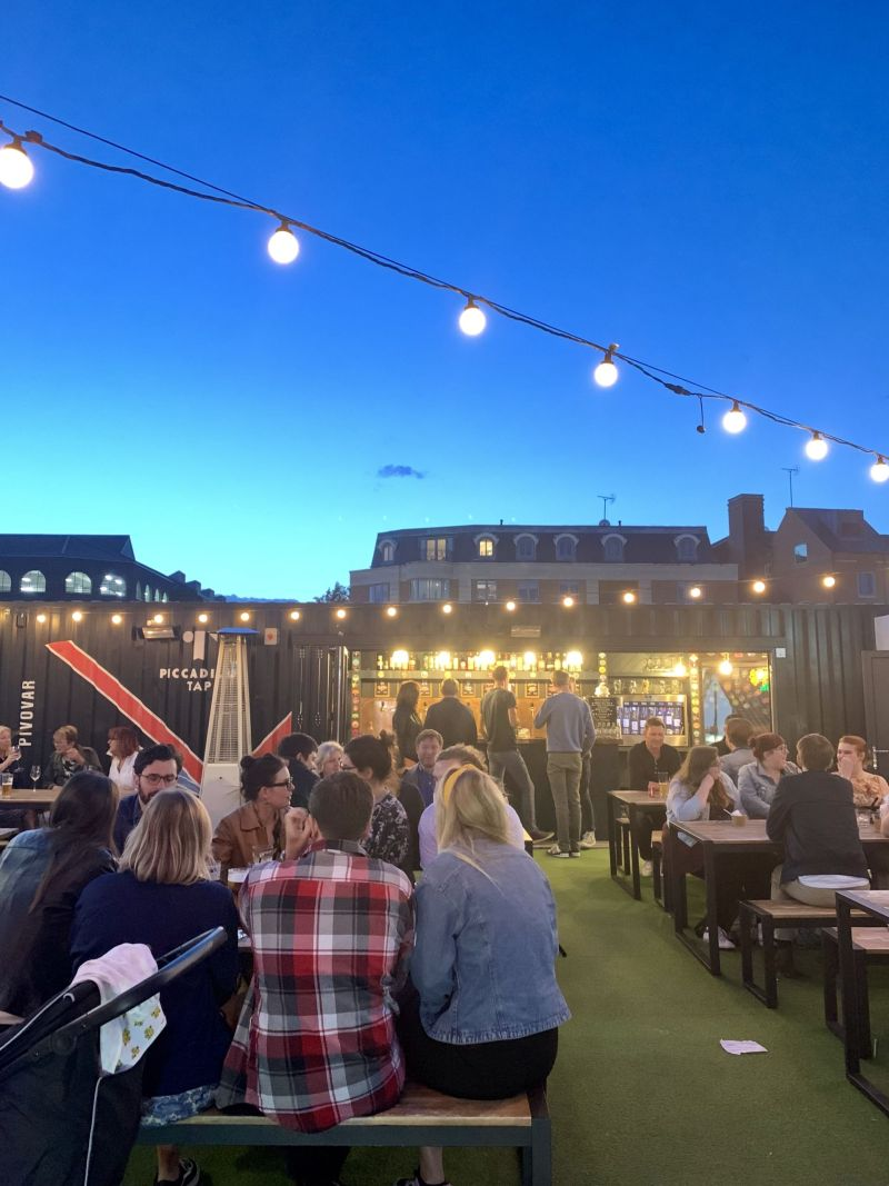 Places-to-eat-in-York-Spark-Street-food-outside-dining