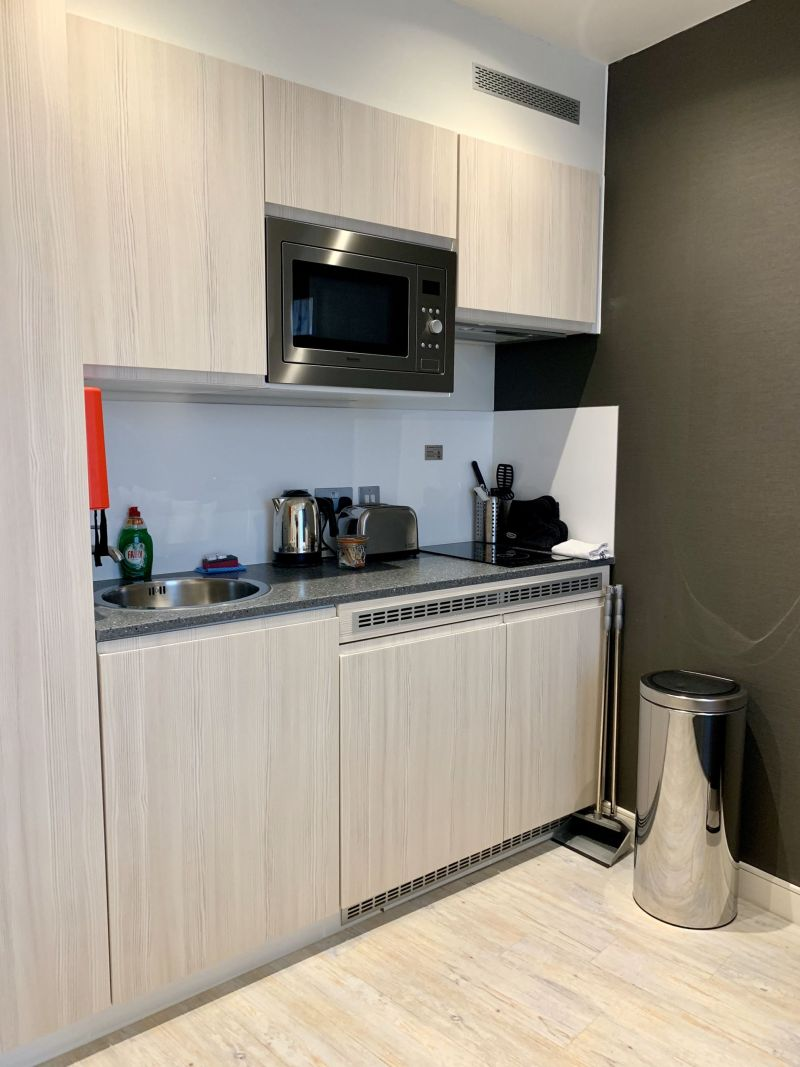 York-Stay-City-Apartment-Kitchen