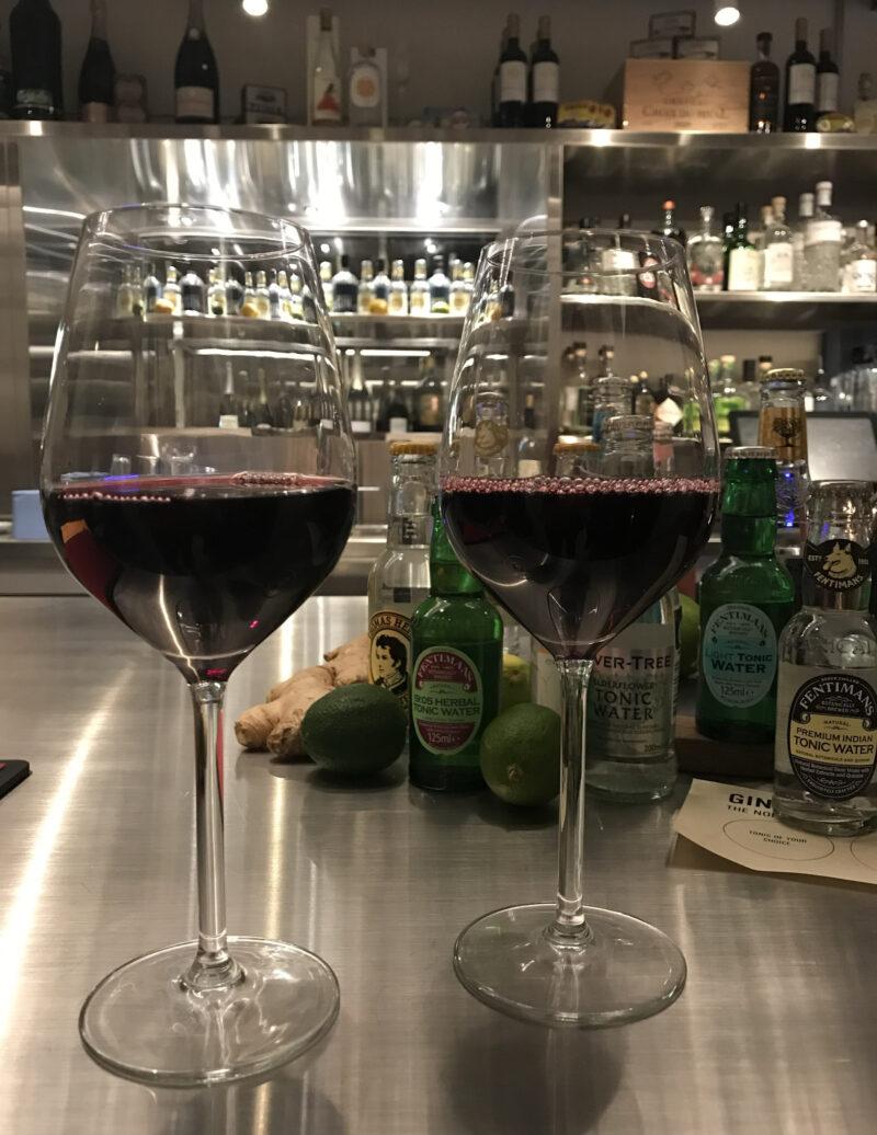 Happy-Hour-Free-wine-Brøchner-Hotel-Ottilia-Social-