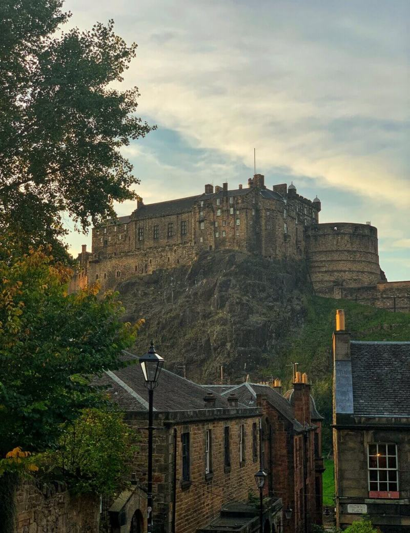 Vennel Steps Viewpoint Edinburgh Castle Autumn