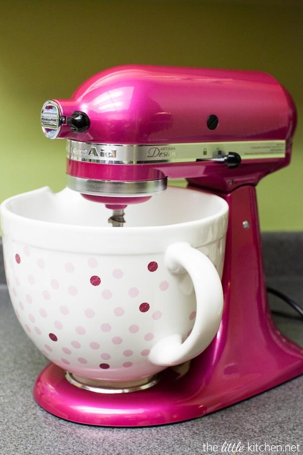 Pink Raspberry Buttercream Amp 10000 Cupcakes The Little Kitchen