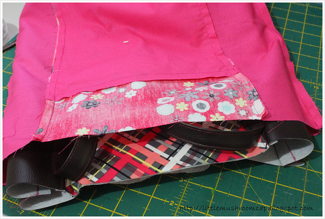 Tote tutorial _ faux leather _ nordika _ free -right side facing_stitch top
