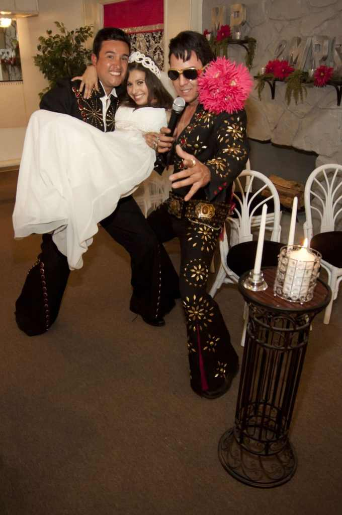 Las Vegas Wedding Chapels Ceremony