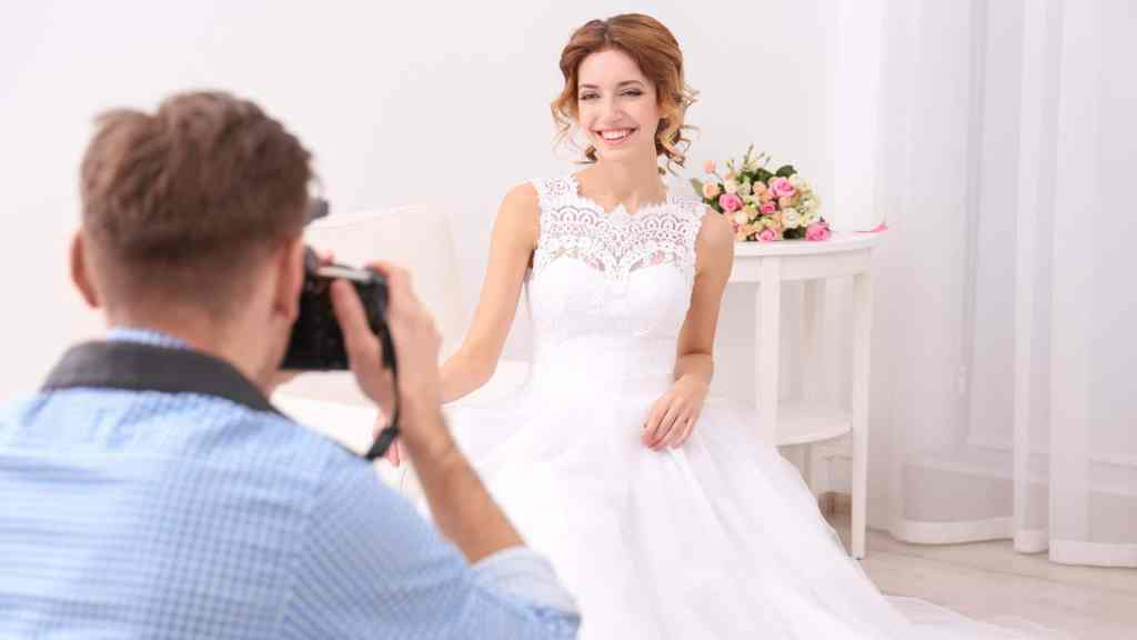 How Much Do Wedding Photographers Cost