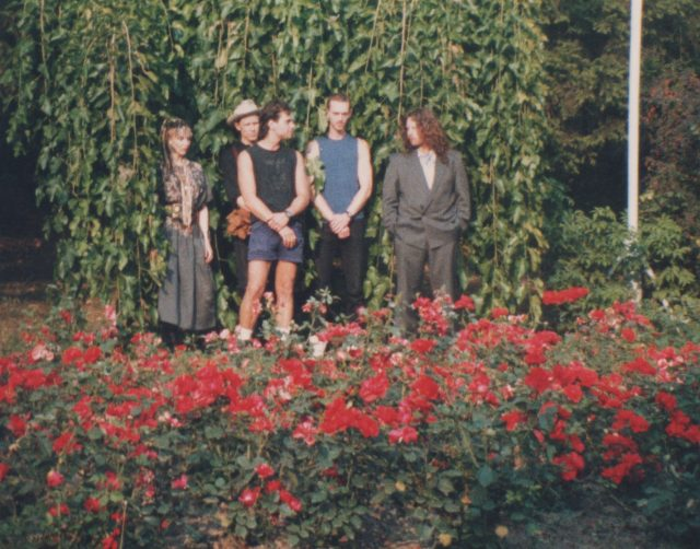 BAND POSE IN FRONT OF HIGH GARDEN2