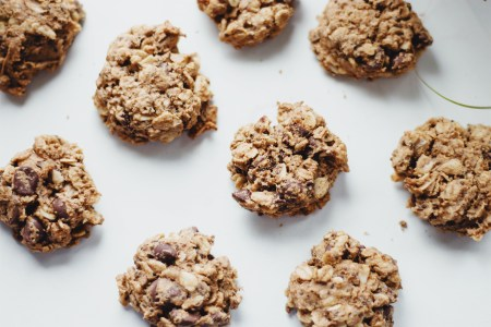 Gluten Free and Vegan Oatmeal Chocolate Chip Cookies