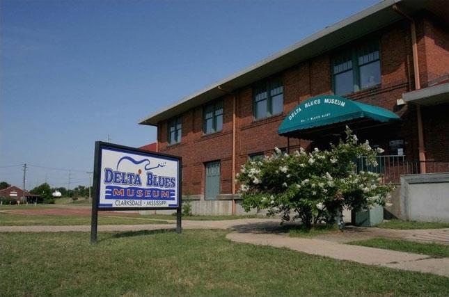 Delta-Blues-Museum-in-Clarksdale-Mississippi-38614