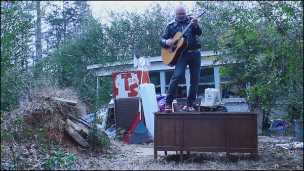 2015-02-16-TylerKeith-TinyAbandonedDeskConcert