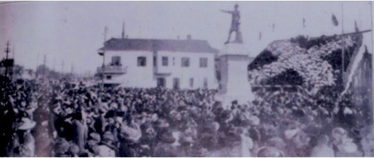 A photograph of the unveiling of the Jefferson Davis Monument in New Orleans, February 22, 1911.