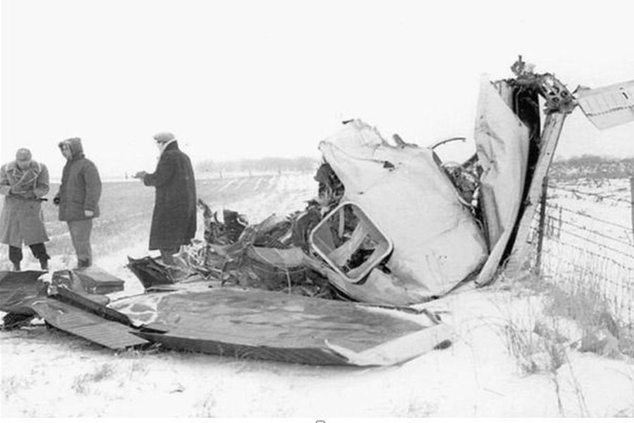 The Buddy Holly plane crash site. 5 miles north of Clear Lake, Iowa, February 3, 1959. (Elwin Musser/LEE NEWS SERVICE, The Globe Gazette)