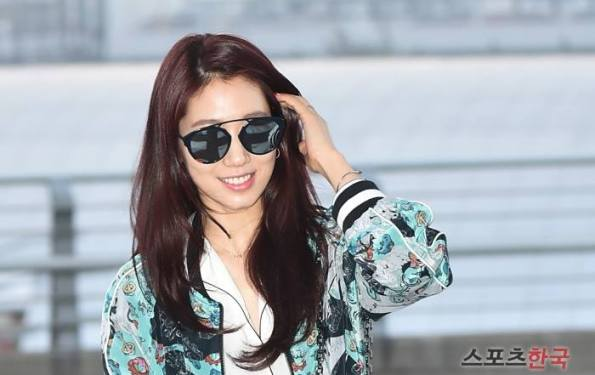Park Shin Hye is having fun in Manila