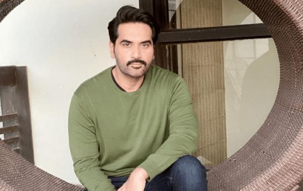 Humayun Saeed Returns Home After 14 Days Of Self Quarantine