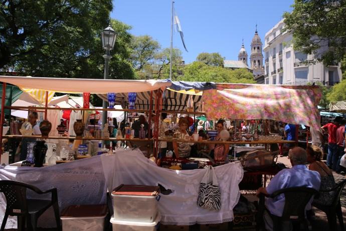 Feria-San-Telmo-Buenos-Aires-vintage-mrket-flea-argentina-Photocredit@TheLostAvocado (2)