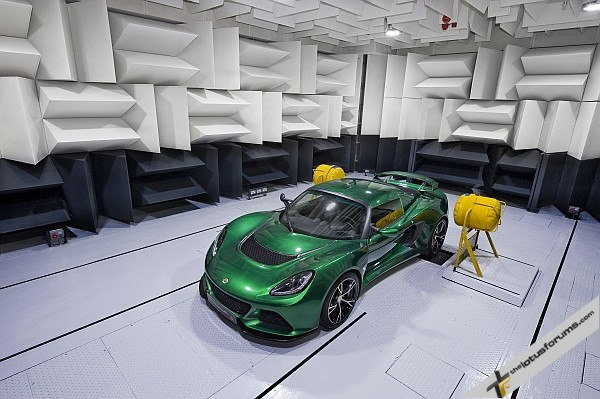 NVH Anechoic Chamber Exige S 12_09_12_71pb