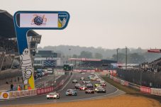 race-two-gets-underway-at-le-mans