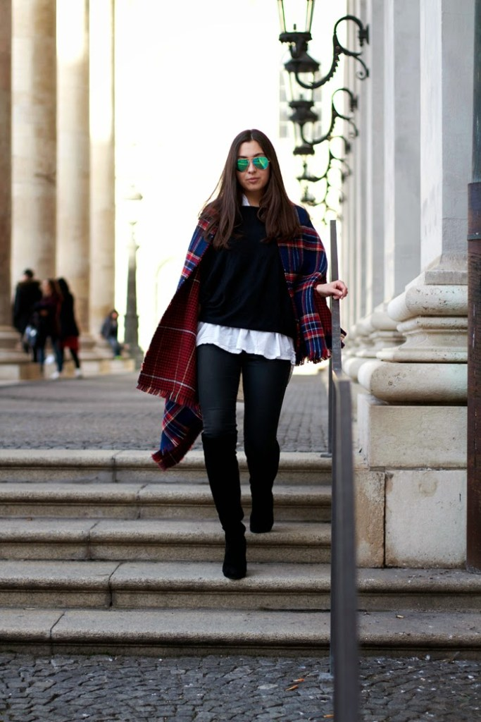 LOOK: THE BLUE PLAID