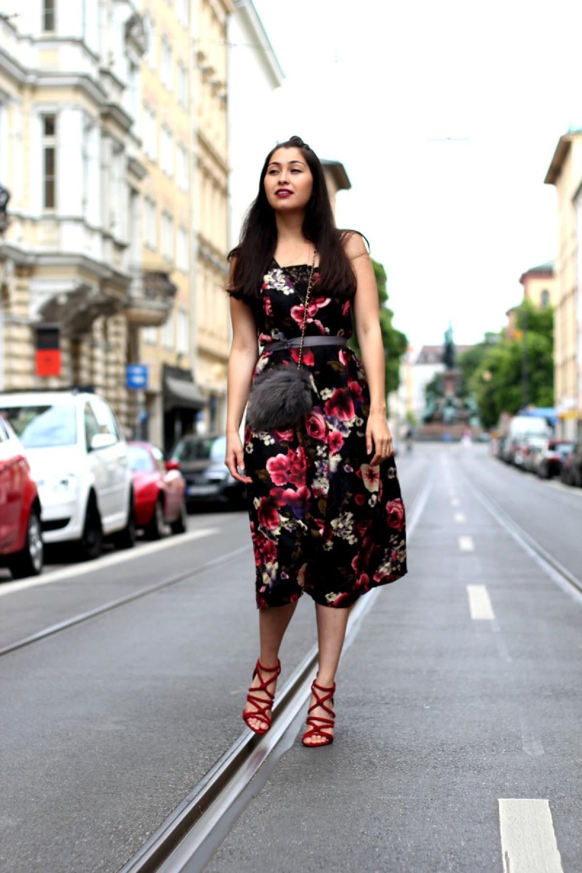 look-dinner-date-streetstyle-spring-summer-midi-trends-flowers-zara-heels-romantic-chic-little-mistress