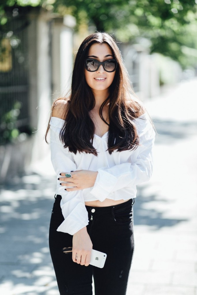 LOOK: THE CLASSIC BUTTON DOWN SHIRT