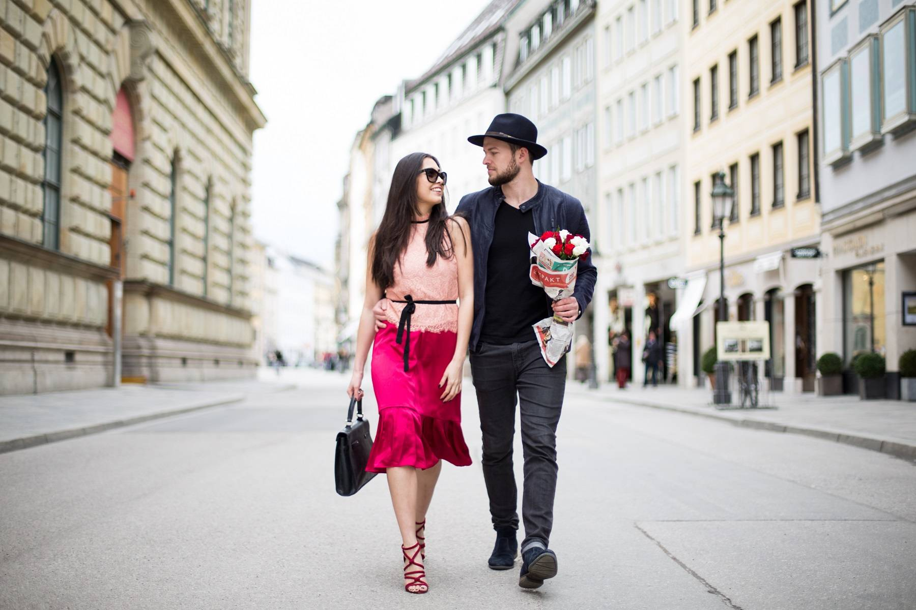 Valentinstag - Be My Valentine - Couple Shooting - Streetstyle - Munich - German Fashionblogger - Annie P - Romantic Look - Ootd - Lookbook - Stylish Couple - München - H&M - Zara - Vintage Hermés