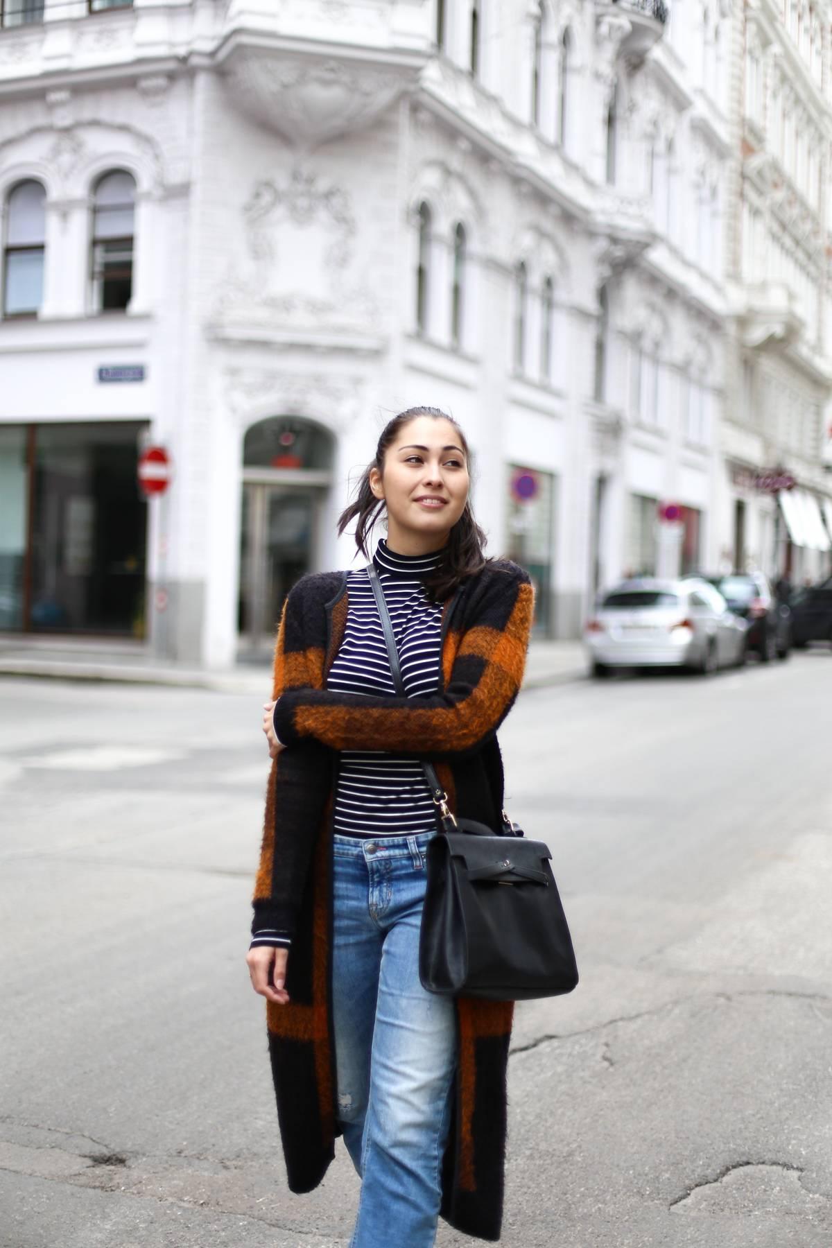 streetstyle wien - vienna - german fashionblog - travelblog - ootd - casual - superga white - rené lezard coat - turtleneck - rollkragen