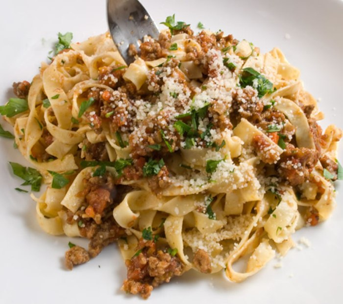 LunaCafe's Bellissimo Bolognese Sauce